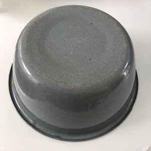Vintage Kitchen - Vintage Graniteware Bowl